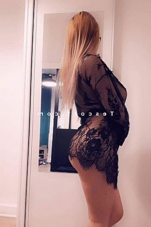 Haira rencontre coquine escorte massage sexy